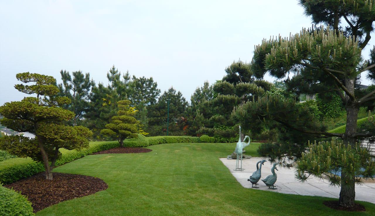Kriegergut garden design landscape architecture for Villa garden